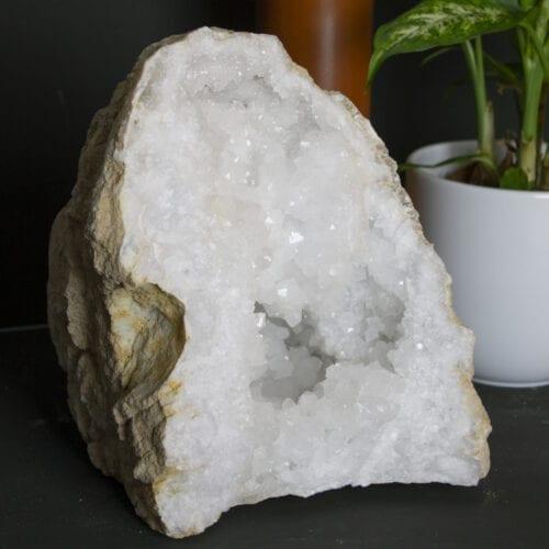 ruwe edelsteen bergkristal geodes groot