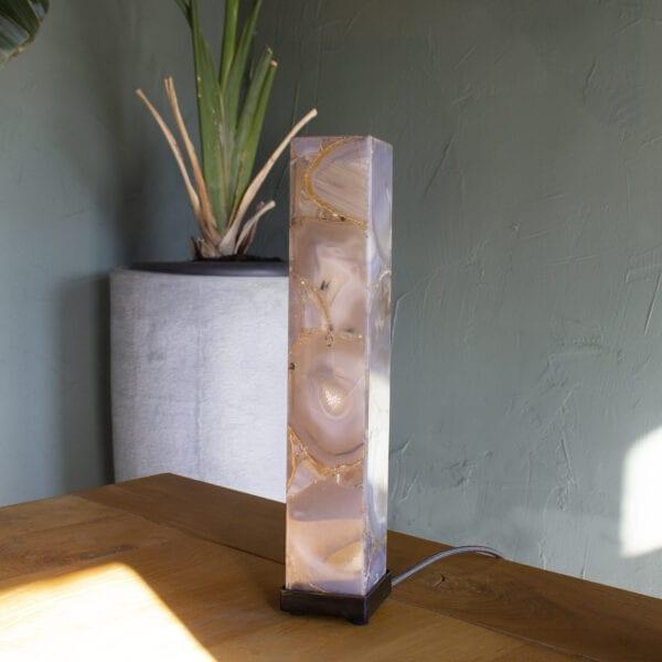 Deze unieke decoratiestukken zijn niet alleen mooi, maar ook functioneel. Het is dé perfecte sfeerverlichting voor het interieur.
